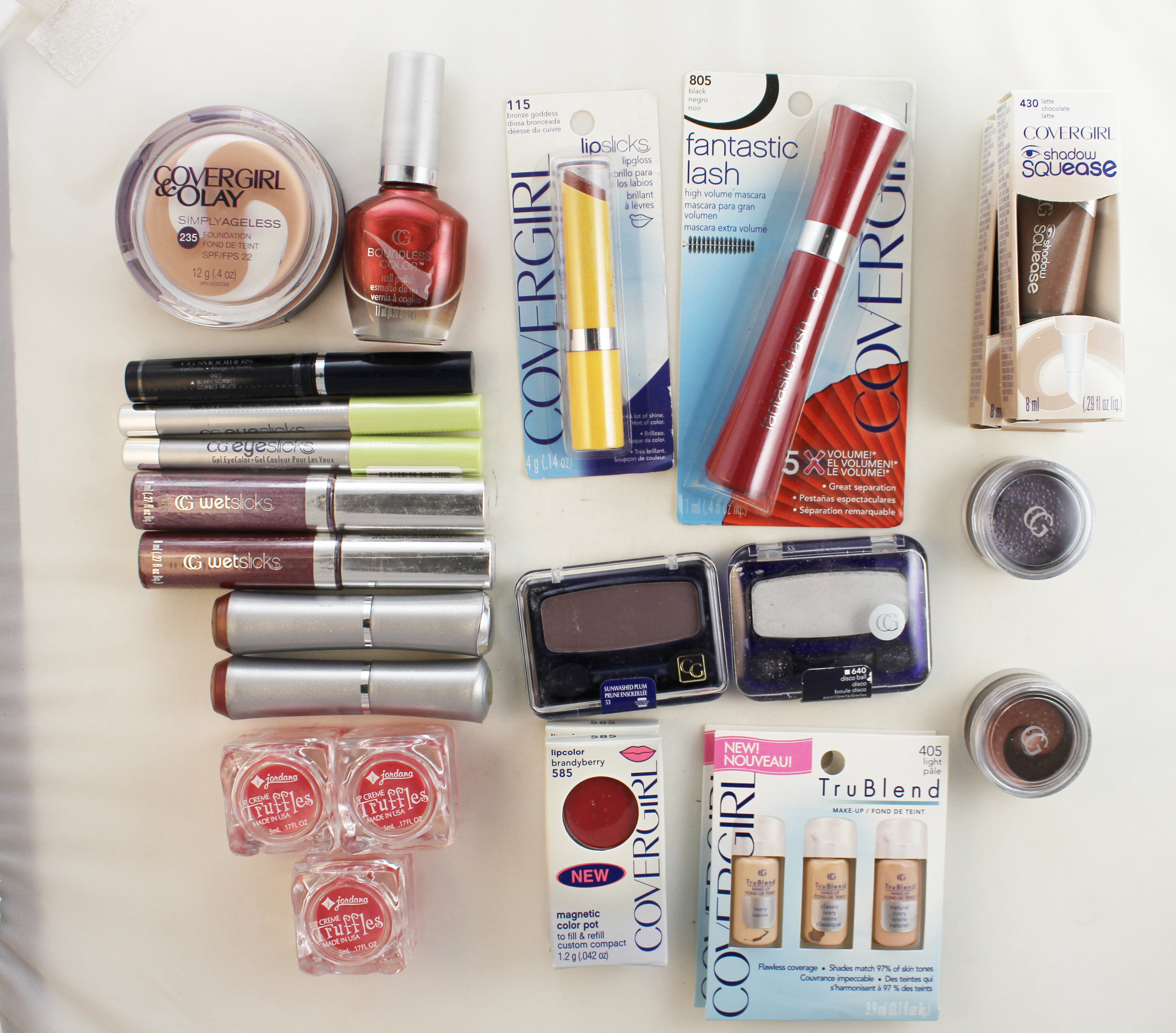 Cover Girl Wholesale Bulk Lot of Cosmetics